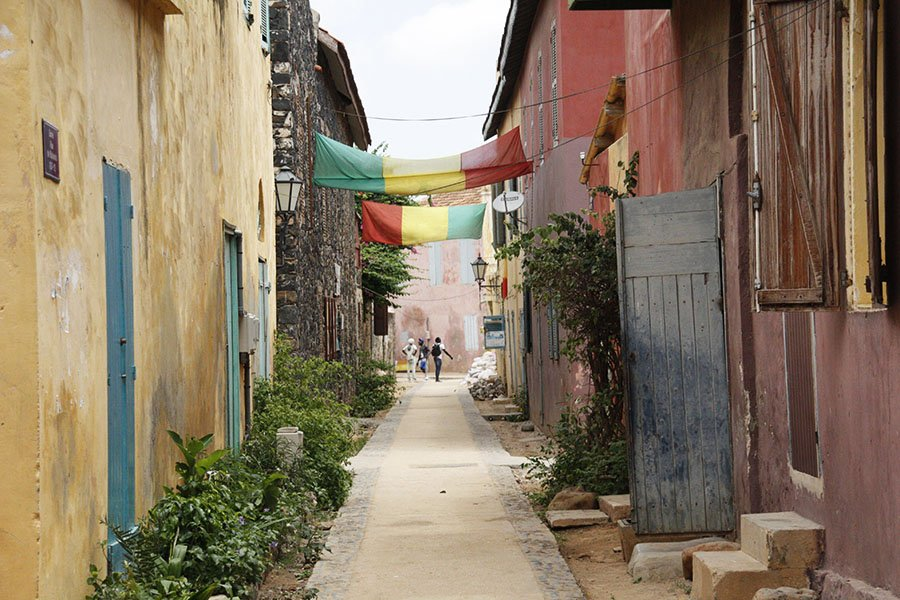 Passejant pels carrers de l'illa de Gorée